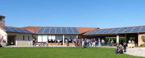 Les installations photovoltaïques des Centrales Villageoises de la région de Condrieu dans le Parc naturel du Pilat (Crédit RAEE)