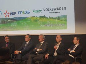 De gauche à droite, Gilles Rogers Boutbien (EdEn), Servan Lacire (Bouygues Energies & Services),Thierry Lespiaucq (Volkswagen Group France), Xavier Metz (Wavestone), Régis Le Drezen (Enedis)