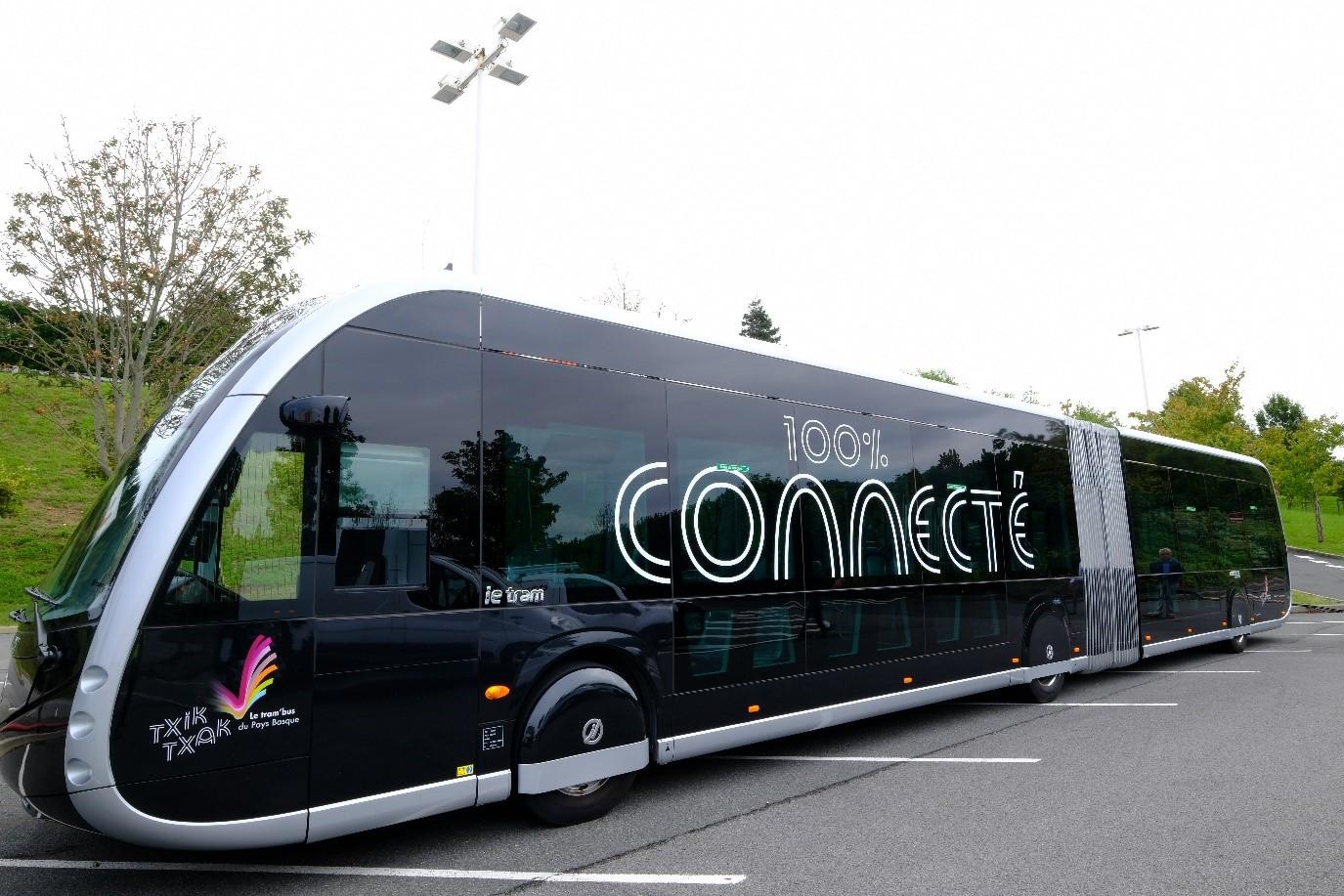 L'un des trambus 100% électriques circulant à Biarritz et dans les communes voisines